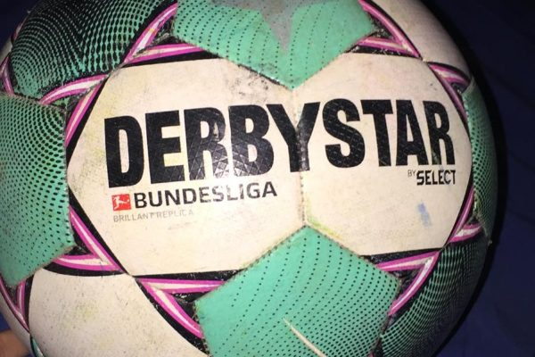 Derbystar Bundesliga Brilliant Replica 2020