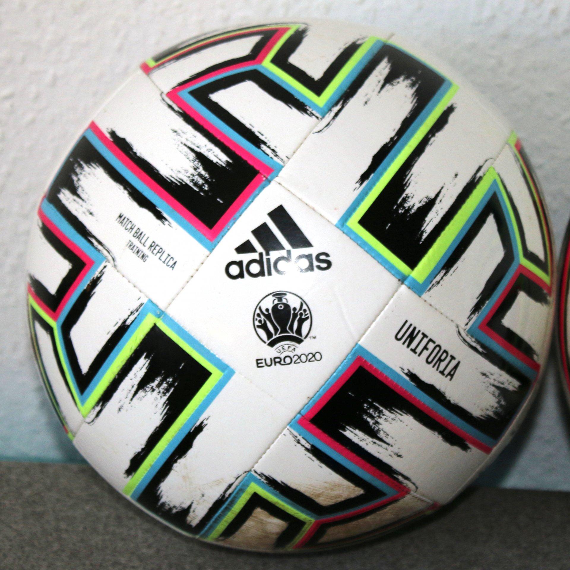 Adidas Uniforia EM 2020 Training TRN