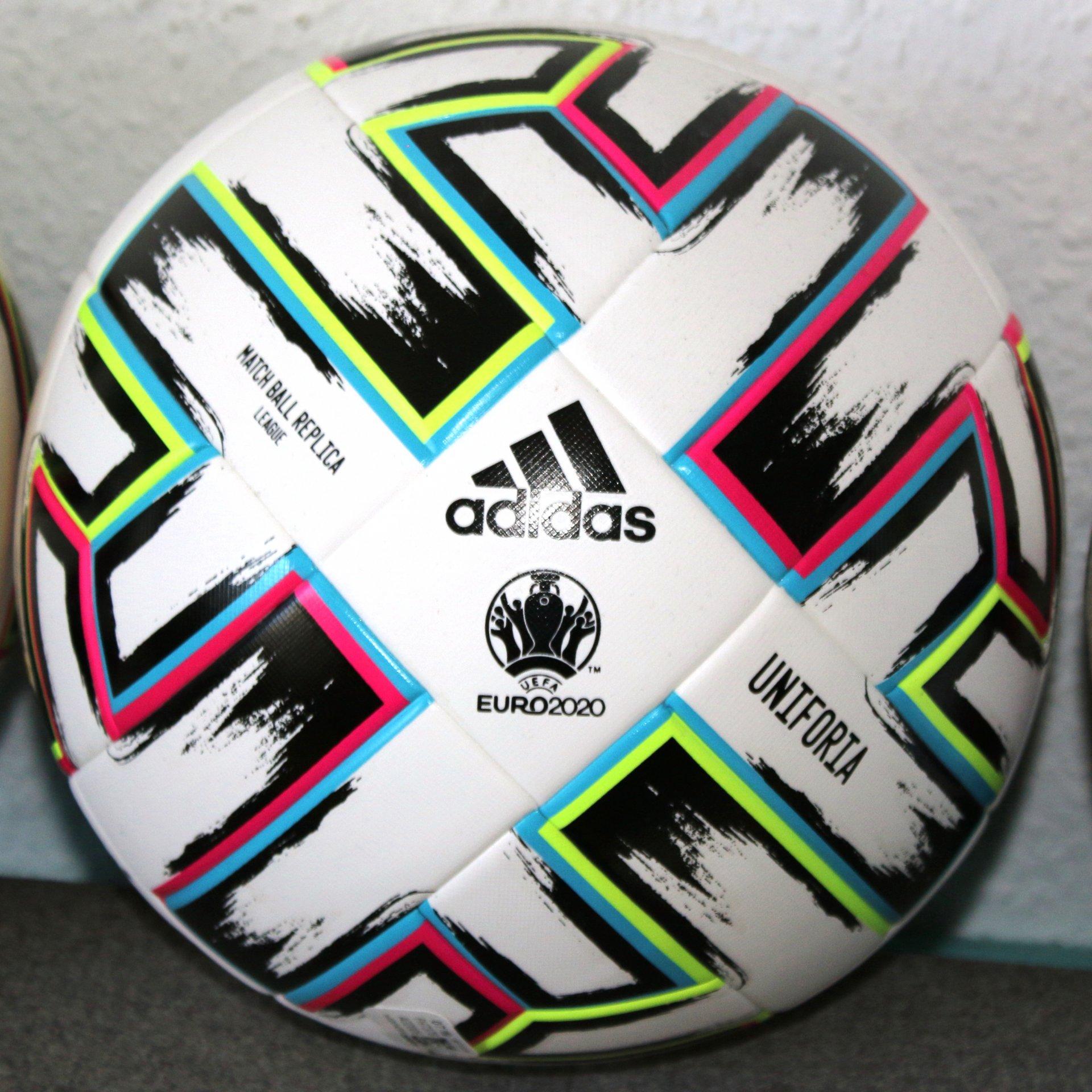 Adidas Uniforia EM 2020 League LGE